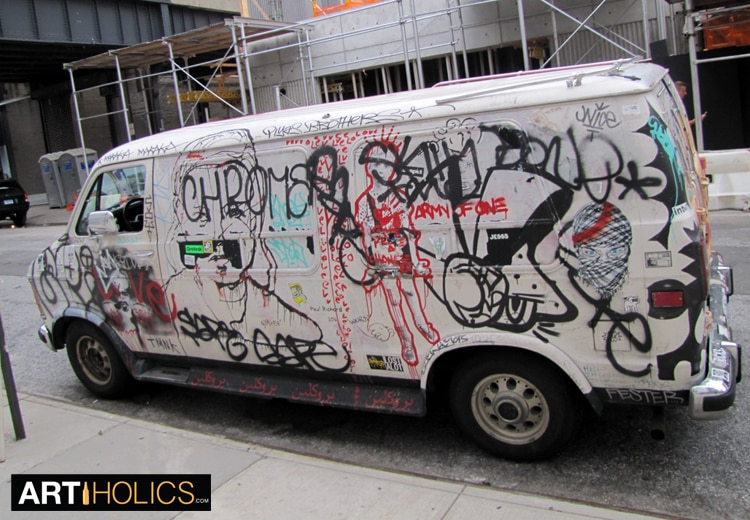 artiholics-armyofone-van